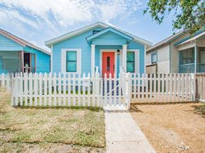5009 Avenue K, Galveston, TX 77551