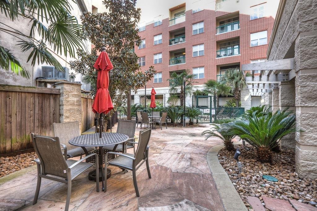 300 St Joseph Parkway, Houston, Texas 77002, 1 Bedroom Bedrooms, 6 Rooms Rooms,1 BathroomBathrooms,Rental,For Rent,THE EDGE,St Joseph,79793943