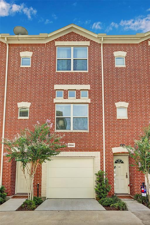 5941 Loop, Houston, Texas 77033, 2 Bedrooms Bedrooms, 5 Rooms Rooms,2 BathroomsBathrooms,Townhouse/condo,For Sale,Loop,46711120