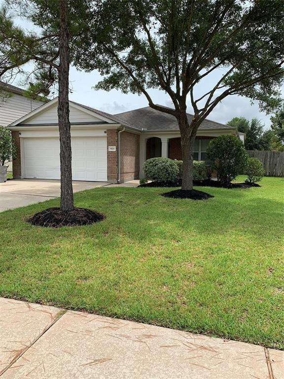 Welcome to this gorgeous home in the highly sought after subdivision of Canyon Lakes at Stonegate. This spacious home has just had fresh interior paint,and carpet installed in Den and PrimaryBedroom. This home is super clean and ready for move-in. You will love to call this your home!!