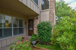 5842 Valley Forge Drive, Houston, TX 77057