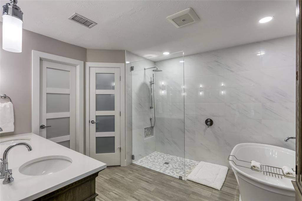 1415 Brooklake Drive, Houston, Texas 77077, 4 Bedrooms Bedrooms, 11 Rooms Rooms,3 BathroomsBathrooms,Single-family,For Sale,Brooklake,90177106