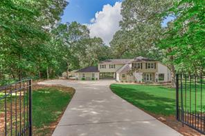18 W Lake Forest Court, Conroe, TX 77384