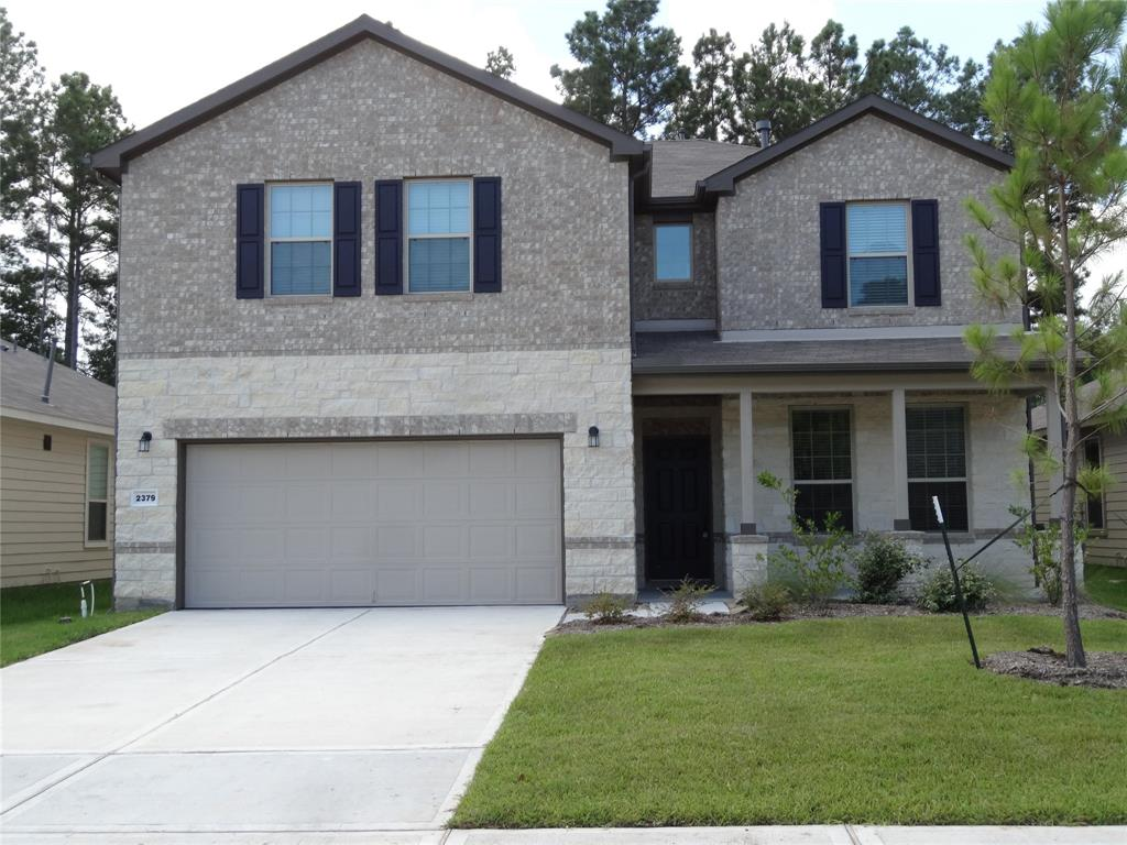 Beautiful, recently built (2019) 4 bedroom home in the desirable Woods of Conroe subdivision. Elegant open floor plan with spacious rooms, and modern kitchen. Full fenced, treed backyard with covered patio. Zoned for well regarded Conroe ISD schools. Come see this fantastic home before it is too late!