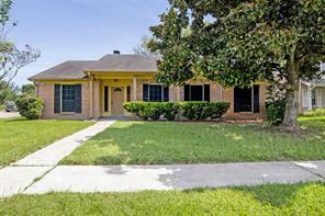 801 Willow Creek Drive, La Porte, TX 77571