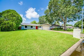 16930 Hibiscus Lane, Friendswood, TX 77546