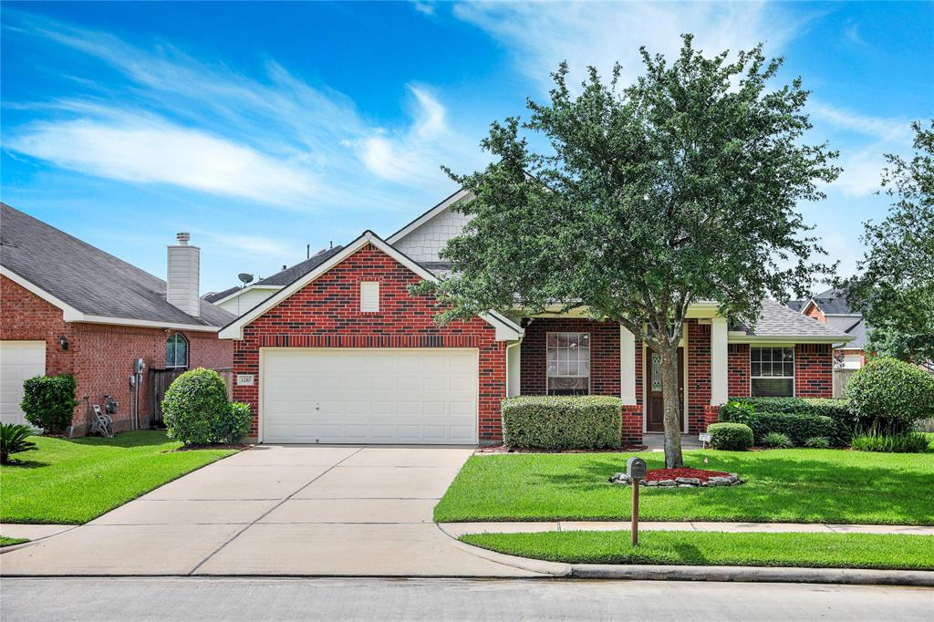 """FOR LEASE IN Gleannloch Farms! $2,250, Spring, Texas! 4/2/2 with Study & gameroom Only $2,250!! Nestled on a corner lot and only a short walk to one of the neighborhood pools and playgrounds! Step from the welcoming front porch and into the inviting open concept floorplan is perfect for family living and entertaining. Your family chef will appreciate the island kitchen that is open to the large family room and breakfast area. The master suite is luxurious with plenty of space and a lovely master bath and over-sized walk-in closet. Easily work from home in the executive study at the front of the home. The kiddos have their own space to play while you work in the gameroom that's a part of the kids """"wing"""" of the home. The covered patio is great for outdoor dining and relaxing while the kiddos play in the backyard. Sprinkler system. Gleannloch Farms offer great amenities: golf course, equestrian center, multiple pools, tennis courts, and playgrounds! 2 minutes from Hwy 99 Grand Parkway!"""