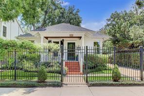 818 Woodland Street, Houston, TX 77009