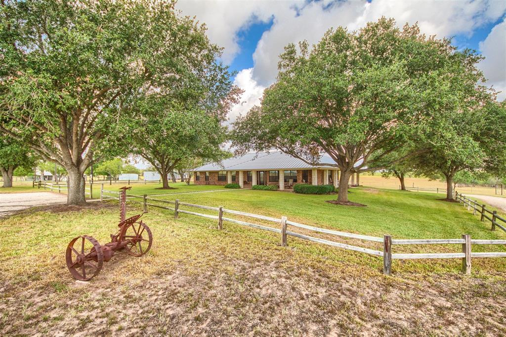 9285 County Road 401, Floresville, Texas 78114, 5 Bedrooms Bedrooms, 7 Rooms Rooms,2 BathroomsBathrooms,Country Homes/acreage,For Sale,County Road 401,96730058