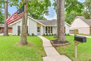 3806 Golden Lake Drive, Kingwood, TX 77345