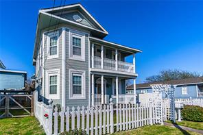 3806 Avenue S, Galveston, TX 77550