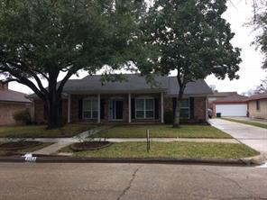 7723 Braesview Lane, Houston, TX 77071