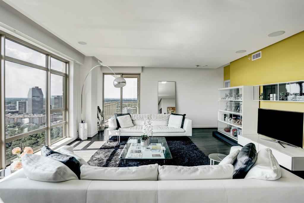 1100 Uptown Park Boulevard, Houston, Texas 77056, 1 Bedroom Bedrooms, 1 Room Rooms,2 BathroomsBathrooms,Rental,For Rent,MONTEBELLO,Uptown Park,55413775