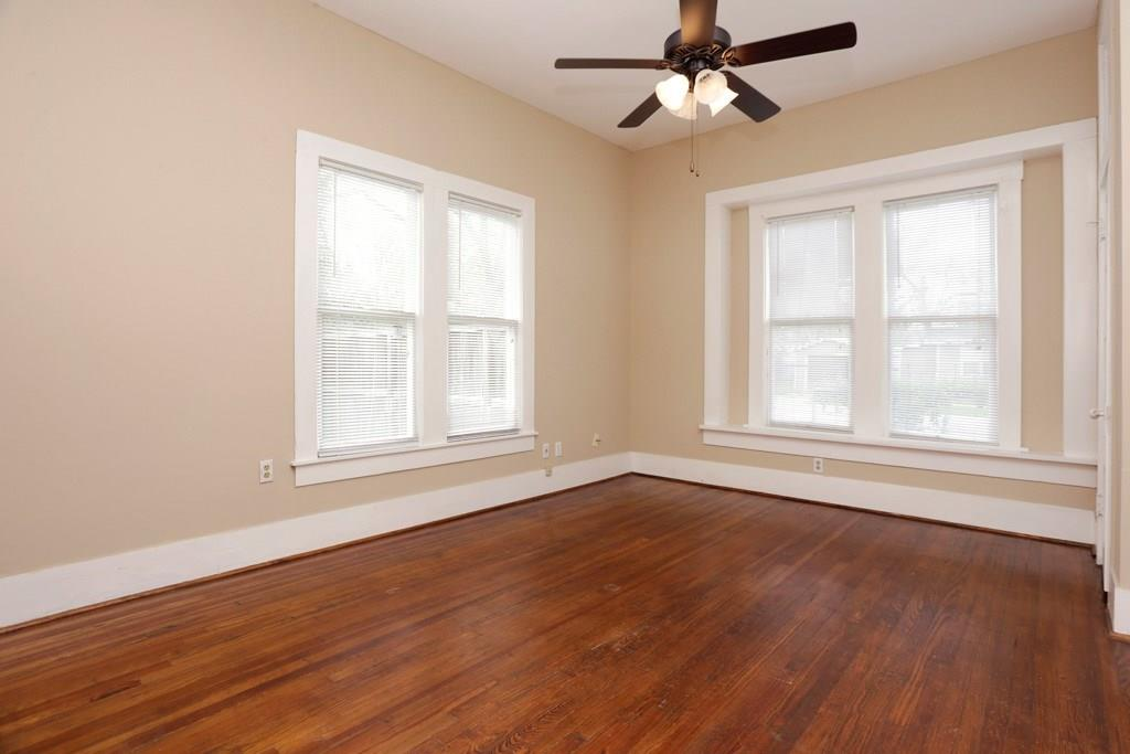 This second bedroom sits at the front of the home next to the living room, and has access to the second full bath which is also accessible from the hallway.