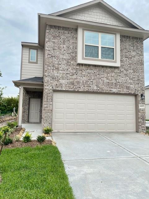 "READY AUGST 30TH! Pictures of similar home. 3 bedroom 2.5 bath 2 story home features Acme brick front elevation with a lifetime warranty, 3 sides hardi plank with 30 year warranty and exterior covered patio. Open concept kitchen family and dining. Kitchen complete with breakfast bar facing family, level 2 GRANITE counter tops, ceramic tile wall backsplash, 42"" WHITE cabinets with crown molding, stainless steel microwave, 5 burner gas stove, dish washer and recess lighting. Master bath features stand up shower, garden tub and marble vanity with large walk in closet. Family, kitchen, dining, bathrooms and utility room have vinyl WOOD plank floors. Carpet in the other rooms. 2"" blinds, covered back patio, spacious back yard!"