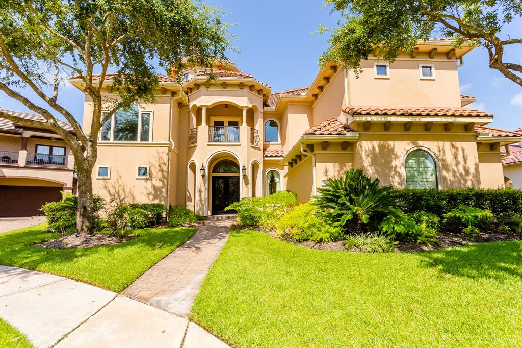 LUXURIOUS CUSTOM HOME SITUATED IN ONE OF RIVERSTONE'S PRESTIGIOUS GATED COMMUNITIES SURROUNDED BY LAKES & TREES! THIS GORGEOUS ESTATE HAS A STUCCO EXTERIOR WITH TILE ROOF & 4 CAR GARAGES. TERRIFIC FLOOR PLAN 2/BEDROOMS DOWN! DRAMATIC ENTRY W/SPIRAL STAIRCASE AND DOME, ELEGANT FORMAL DINING W/CHANDELIER , CUSTOM CEILING, AND WET BAR, LARGE FAMILY ROOM W/BUILTINS, FIREPLACE AND STONE FLOORS LEADS TO AN IMPRESSIVE KITCHEN W/CUSTOM FURNITURE-LIKE CABINETRY, HIGH-END APPLIANCES, AND GRANITE COUNTER TOPS. LARGE MASTER SUITE W/SPA-LIKE MASTER BATH AND HUGE CLOSET! HANDSOME STUDY W/CUSTOM WOOD PANELING. LARGE GAMEROOM WITH BAR AREA & MICROWAVE, MEDIA ROOM W/MULTI-LEVEL SEATING, LARGE SECONDARY BEDROOMS & CLOSETS. BACKYARD OASIS W/LUSH LANDSCAPING, POOL W/WATERFALLS, LARGE OUTDOOR LIVING ROOM W/FIREPLACE AND OUTDOOR KITCHEN, AND PLENTY OF GREEN SPACE FOR KIDS/PETS AND GARDENING! NO REAR NEIGHBORS FOR PRIVACY! ZONED TO FORT BEND SCHOOLS. CALL TODAY - PRICED TO SELL!