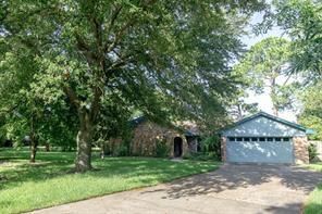 319 Falk Avenue, La Porte, TX 77571