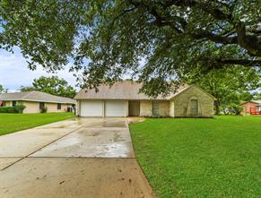 108 Bayou Glen, Hitchcock, TX, 77563