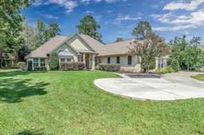9135 Grand Lake Estates Drive, Montgomery, TX 77316