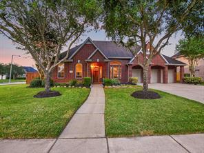 450 Overlook Drive, Friendswood, TX 77546