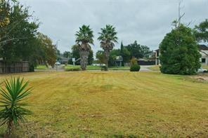 18646 Upper Bay Road, Nassau Bay, TX 77058