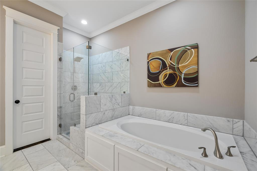 After a long hard day, you'll love relaxing in this spa-like tub.