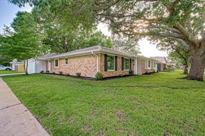 5703 Braesvalley Drive, Houston, TX 77096
