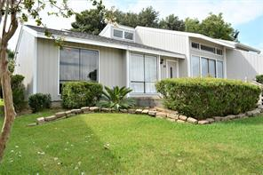 43 April Point Drive N, Montgomery, TX 77356