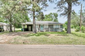 1425 E Collard Street, Madisonville, TX 77864