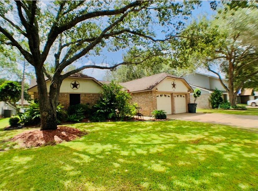 2916 La Mesa Street, Bay City, Texas 77414, 3 Bedrooms Bedrooms, 7 Rooms Rooms,2 BathroomsBathrooms,Single-family,For Sale,La Mesa,47624556