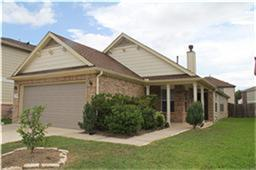 GREAT 3 BEDROOM, 2 BATH HOME LOCATED WITHIN WALKING DISTANCE OF THE COMMUNITY PARK, THIS HOME FEATURES A LARGE KITCHEN AND BREAKFAST AREA, LARGE DEN WITH FIREPLACE, LARGE MASTER WITH PRIVATE BATH SUITE, GENEROUS SECONDARY BEDROOMS, RECENT TILE AND APPLIANCES.  DON'T MISS THIS BEAUTIFUL HOME LOCATED IN A CULDSAC,  A MUST SEE!!