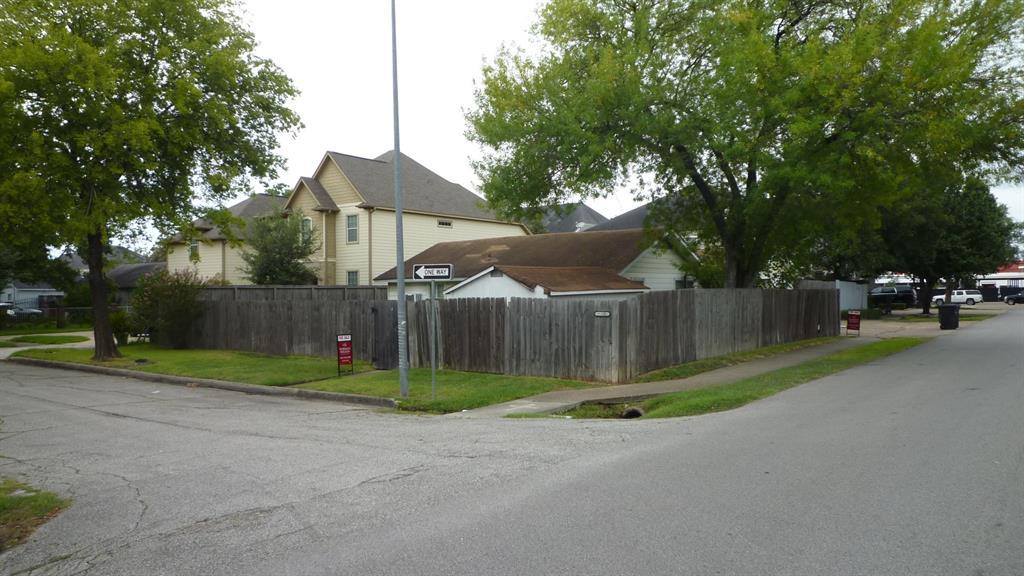 5300 Palmetto Street, Houston, TX 77081