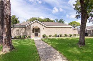 15523 Pleasant Valley Road, Houston, TX 77062