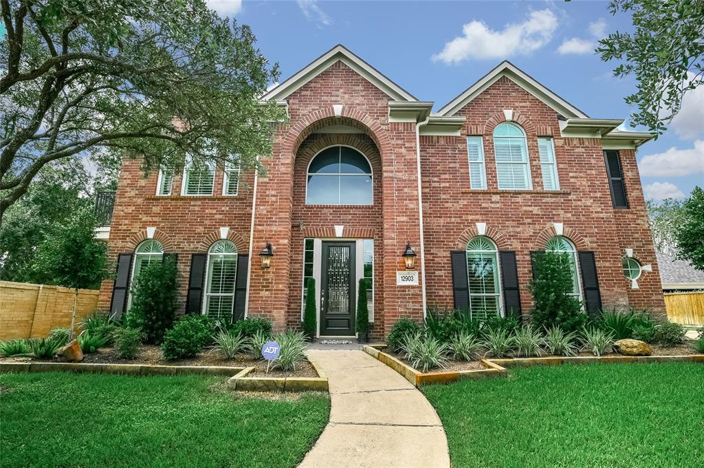 12903 Waters Edge Place, Houston, Texas 77041, 4 Bedrooms Bedrooms, 12 Rooms Rooms,3 BathroomsBathrooms,Single-family,For Sale,Waters Edge,95751833