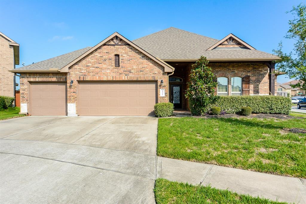 2015 DR Horton home with a stone and brick elevation, 3 car garage in Cud-De-Sac. One bedroom has wood floor, which could be your study room. Ceiling fan in every room include patio. The kitchen is equipped w/Built-In Stainless Steel Appliances , Double Ovens. Full sprinkler system. Refrigerator is included. High ranked Klein ISD. New French elementary school is within walking distance. The community swimming pool opens during the summer. Only 15 min to The Woodlands mall!