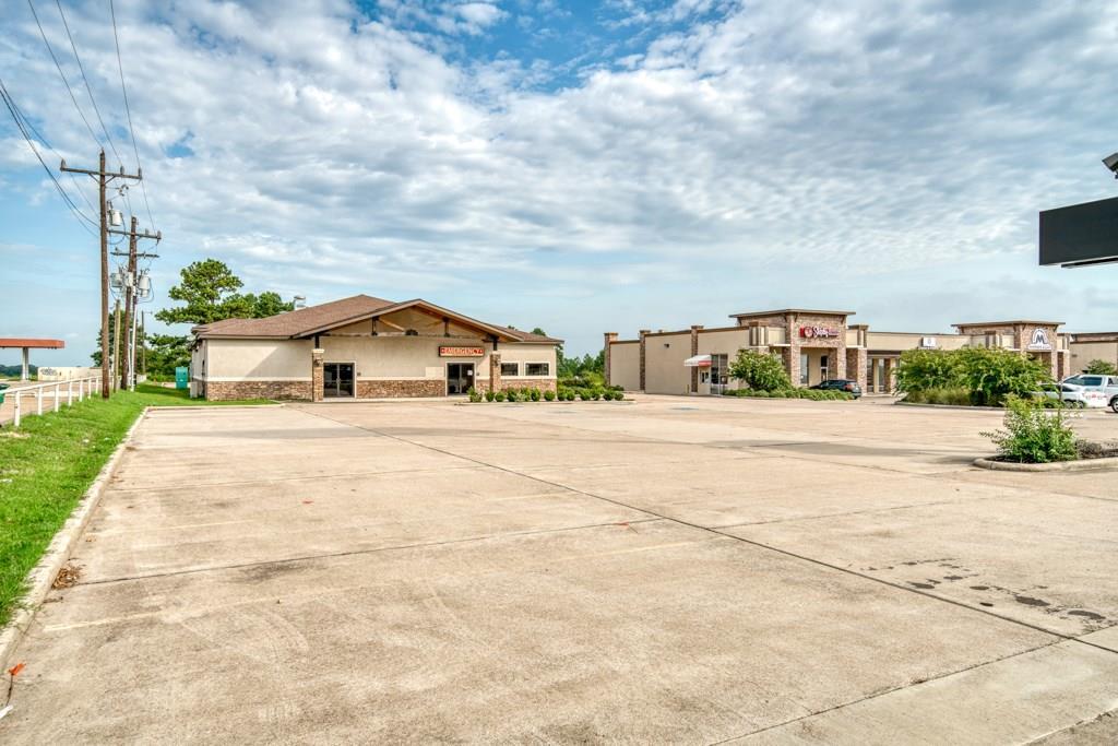 3301 E Main Street, Madisonville, TX 77864