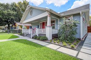 702 E 8th 1/2 Street, Houston, TX 77007