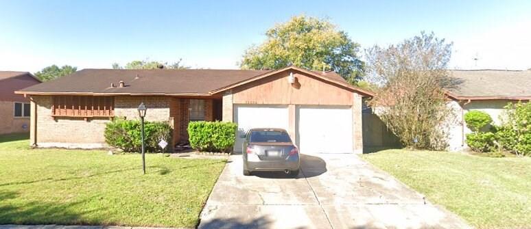 15806 Blueridge Road, Houston, Texas 77489, 3 Bedrooms Bedrooms, 3 Rooms Rooms,2 BathroomsBathrooms,Single-family,For Sale,Blueridge,33768654