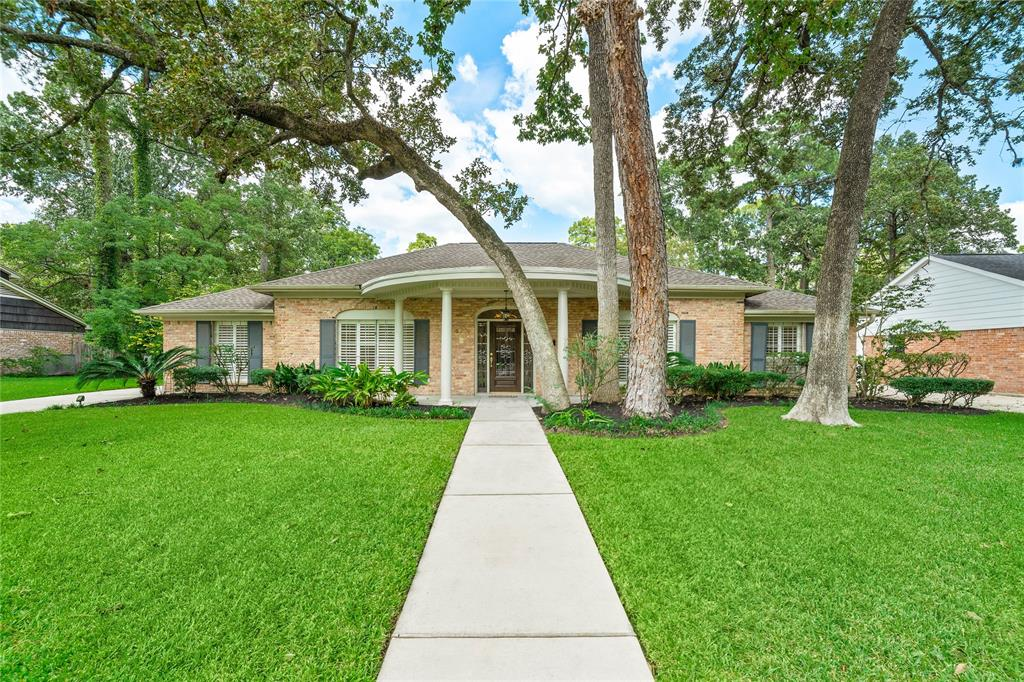 Wilchester stunner located on the north side of Memorial, only half a mile from the entrance to the bayou & 26 miles of hiking and biking trails. Highly desired one-story, nestled on an oversized & perfectly manicured 10,584 sqft lot complete with your private backyard oasis and sparkling pool. Beautifully updated, features include hardwood floors, plantation shutters & remodeled bathrooms. Walls of windows allow an abundance of natural light to flow throughout this lovely home. Open kitchen with granite countertops, stainless appliances & pull-out drawers for the ultimate in storage. Primary suite is a true escape offering private backyard access & pristine bathroom boasting frameless shower and soaking tub. Zoned to exemplary schools, and close to multiple shopping hotspots and nature trails. Excellent location with convenient access to I-10 & Beltway 8. Never flooded as per seller, and underground plumbing has been replaced with PVC. Walking distance to Wilchester Elementary.