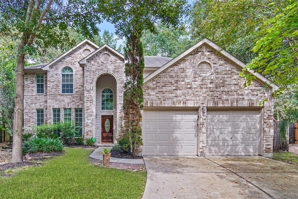 """Well-maintained property in highly soughtafter Harpers Landing!! Close to I-45, SH242 and 99-Grand Parkway! Move-In Ready! Home has been elegantly updated throughout! Wood floors and tile throughout the downstairs living areas!! Makes for easy upkeep and cleaning! High Ceilings and Great Natural Light throughout. Exquisite Formal Dining Room off of Kitchen, Spacious Family Room, wide kitchen and breakfast room with appliances including vent-hood microwave, dishwasher and gas range! Wonderful amount of storage! Magnificent first floor master retreat with large walk-in closet. Large Secondary Bedrooms. 2"""" Blinds on windows. Backyardfeatures a fabulous deck to use forsitting out back and relaxing or entertaining! All of this and yet so close to The Woodlands where entertainment and shopping awaits!! You don't want to wait to see this one!"""