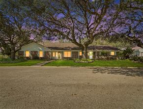 902 Huisache Street, Ganado, TX 77962