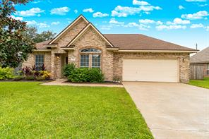 204 Lexington Avenue, Clute, TX 77531