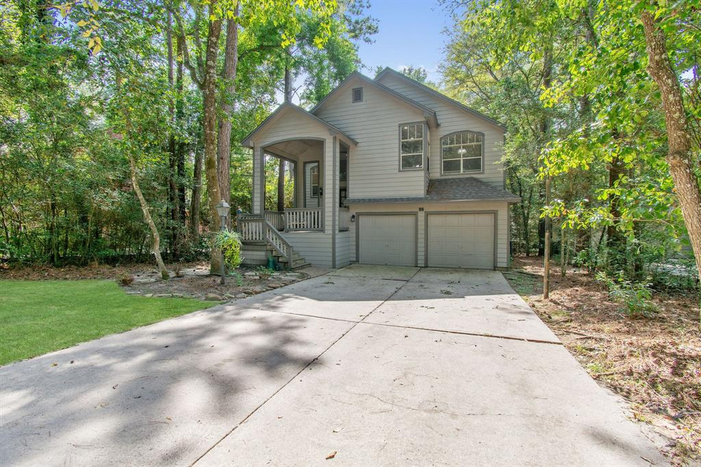 """Look no further as this rental home has it all.  The floorplan is the """"Treehouse"""" that gives you the unique perspective of the natural environment.  The treehouse concept has the primary bedroom, kitchen, dining and living room upstairs.  Home has lots of upgrades throughout.  Enjoy the close proximity to nice restaurants, stores and I45.  Schedule your appointment today!"""