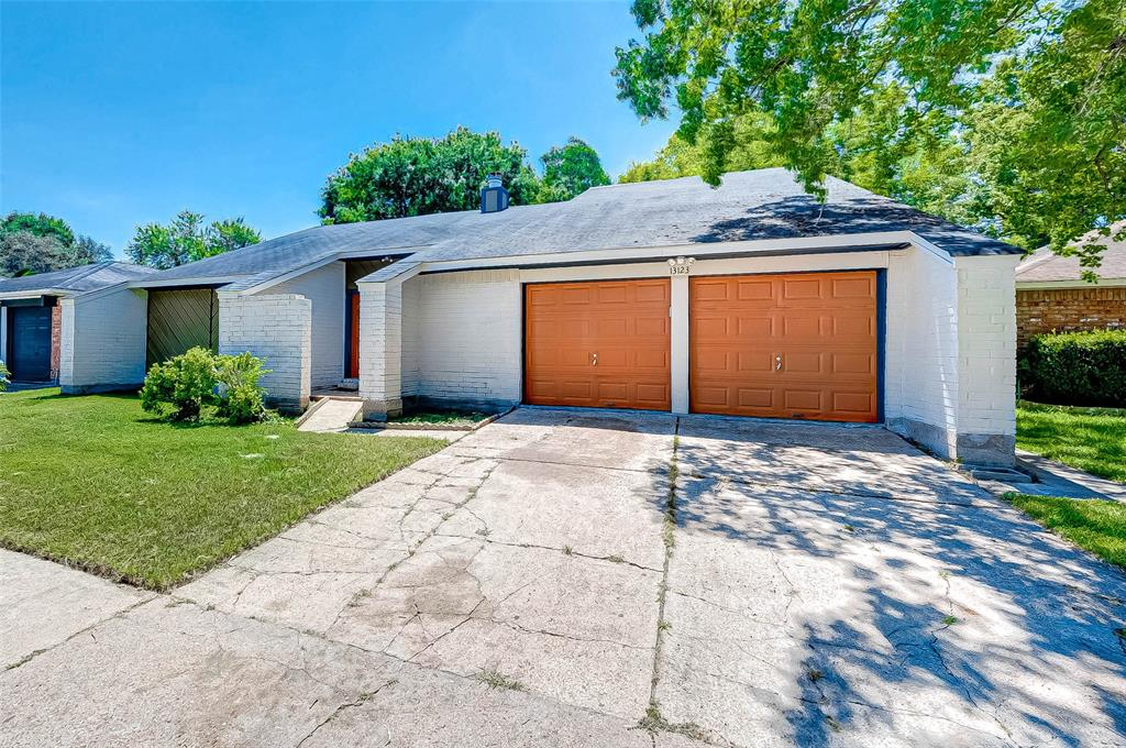 This home is located in the most desirable section of Beckford Place, easy access to Highway 6 and Westpark Tollway. This open floor features large living space, good size kitchen and a big master bedroom. From its entrance, you will immediately notice the home has all new flooring through the entire property including the bedrooms and some wet areas as well. Enjoy many updates with rich finishes including new tone paint, tile, faucets, tubs, ceiling fans and fixtures etc. It is gorgeous inside, come see the home of your dreams!