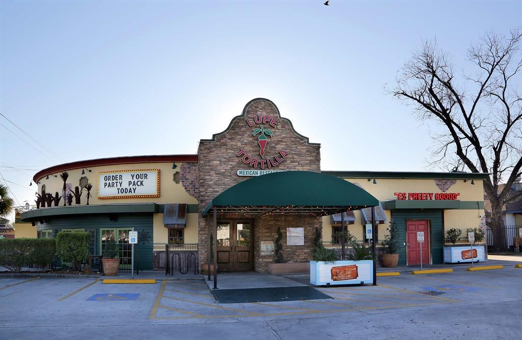 Enjoy some of the best fajitas in Houston at nearby Lupe Tortilla.