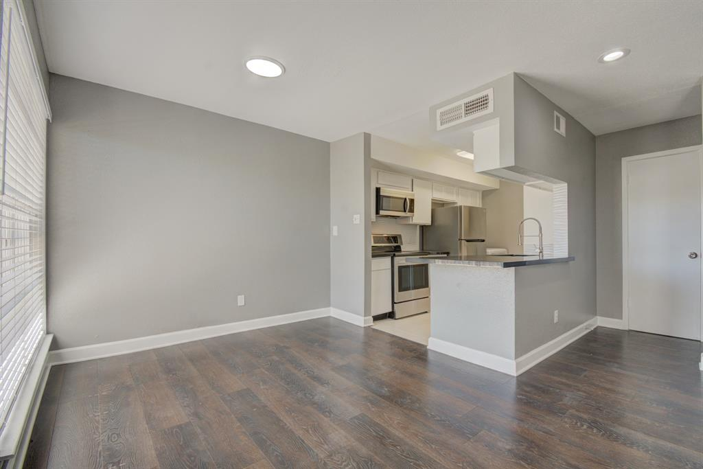 6633 Airport Boulevard, Houston, Texas 77035, 1 Bedroom Bedrooms, 7 Rooms Rooms,1 BathroomBathrooms,Townhouse/condo,For Sale,Airport,10441065