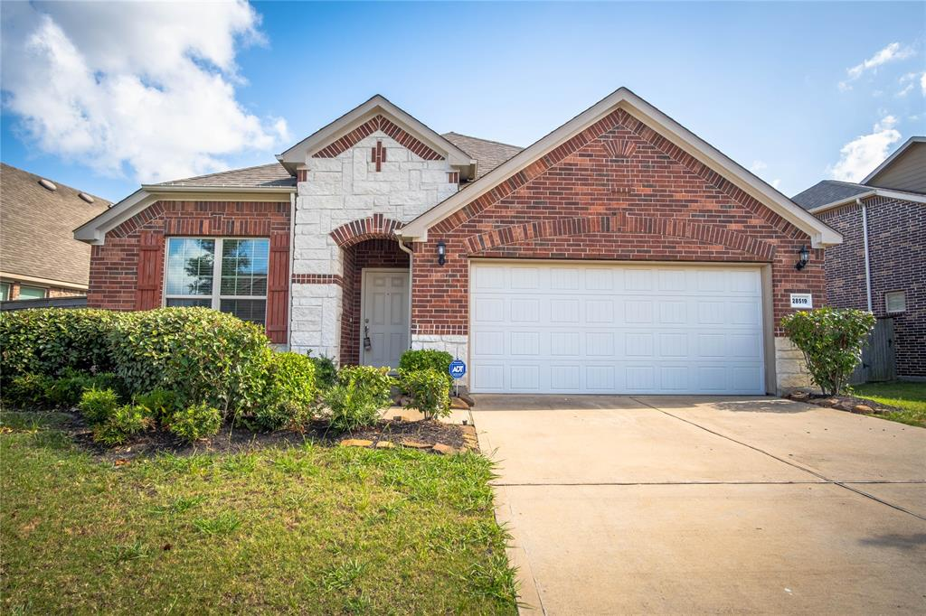 28519 Pleasant Forest Drive, Katy, Texas 77494, 4 Bedrooms Bedrooms, 6 Rooms Rooms,3 BathroomsBathrooms,Rental,For Rent,Pleasant Forest,19062046