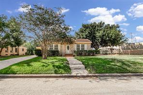 206 Avenue Of Oaks Street, Houston, TX 77009