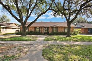 9915 Cedarhurst Drive, Houston, TX 77096