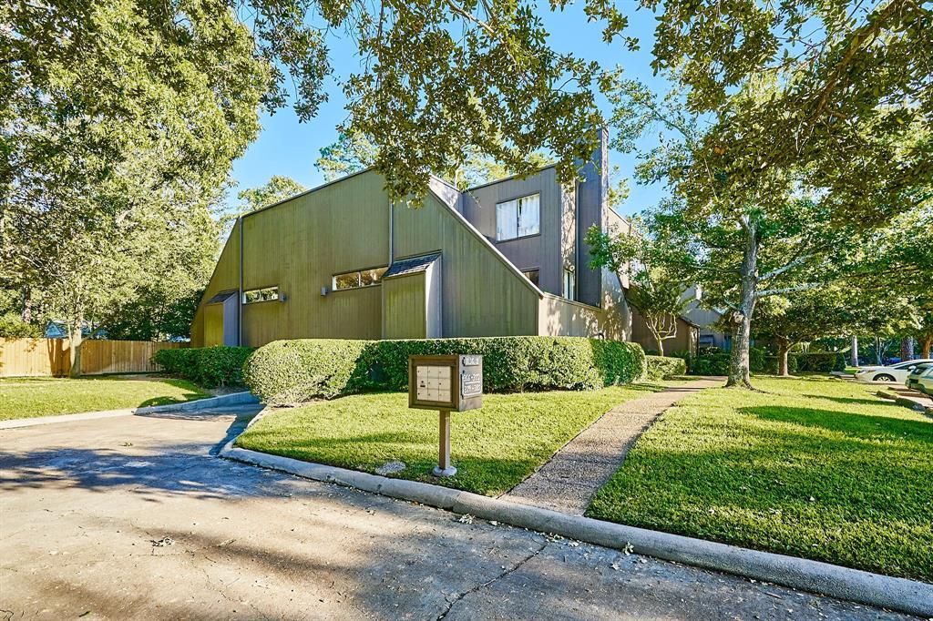 378 Litchfield Lane, Houston, Texas 77024, 2 Bedrooms Bedrooms, 5 Rooms Rooms,2 BathroomsBathrooms,Townhouse/condo,For Sale,Litchfield,95278008